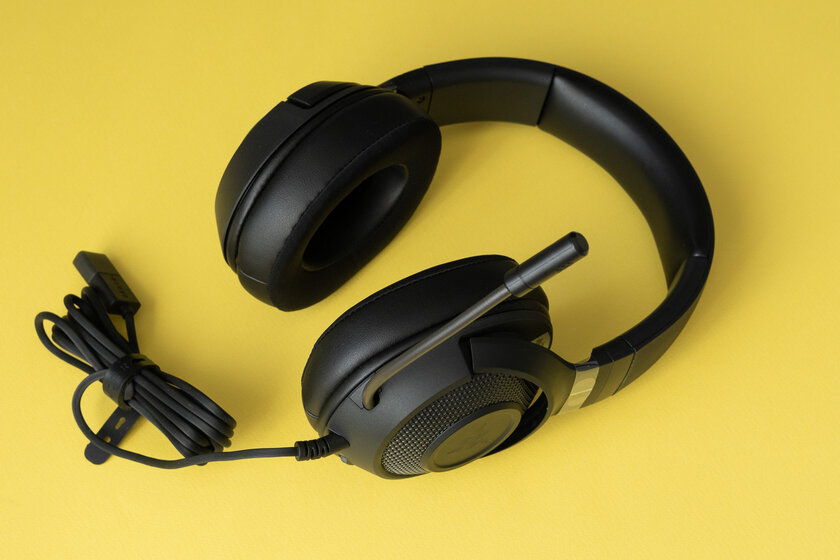 I want the famous, but cheaper.  Review of budget plastic headphones Razer Kraken V3 X - Reviewed after two weeks of use.  one